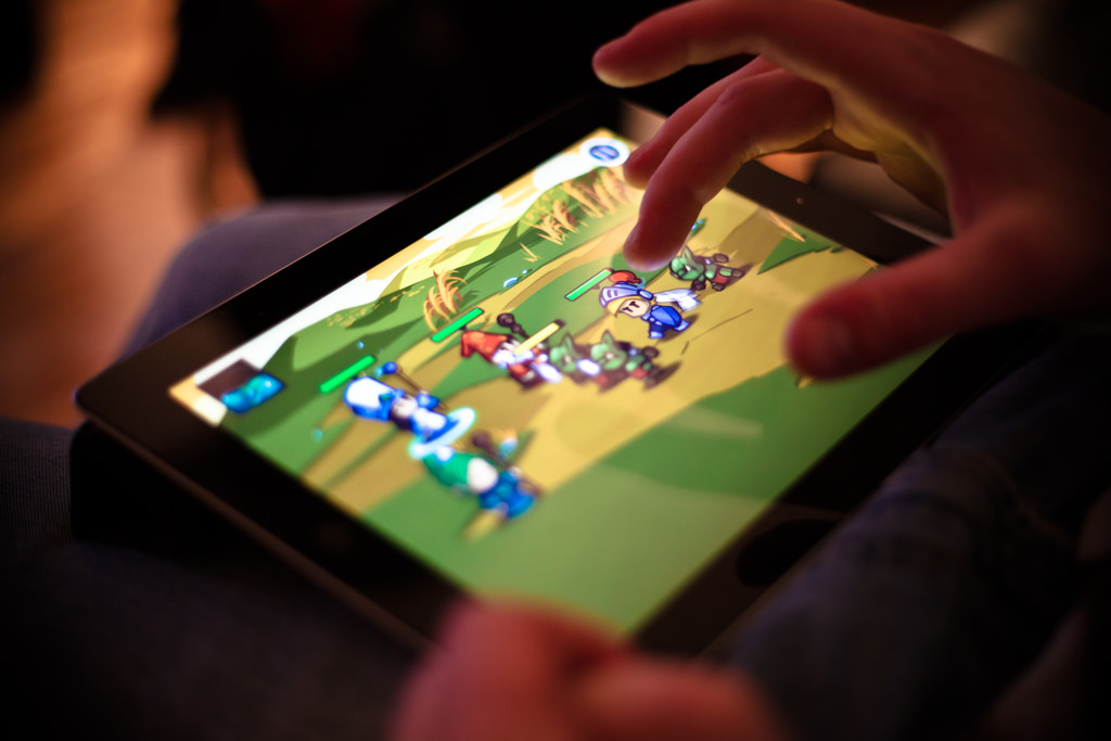 What Cross-Platform Casual Games will win over gamers on smartphones this year?