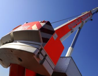 A Look at the Many Different Uses of Boom and Scissor Lifts for Your Business